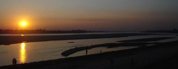 Puesta de sol rio Mekong Vientiane