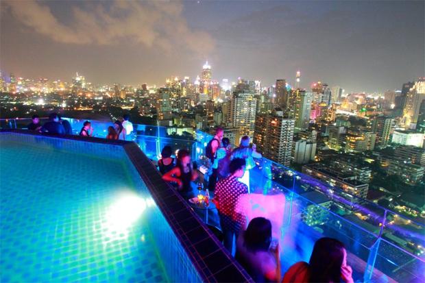 Longtable-de-Bangkok