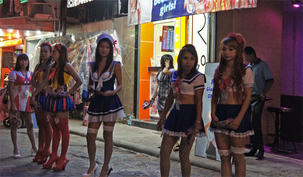 La walking street de Pattaya, Tailandia
