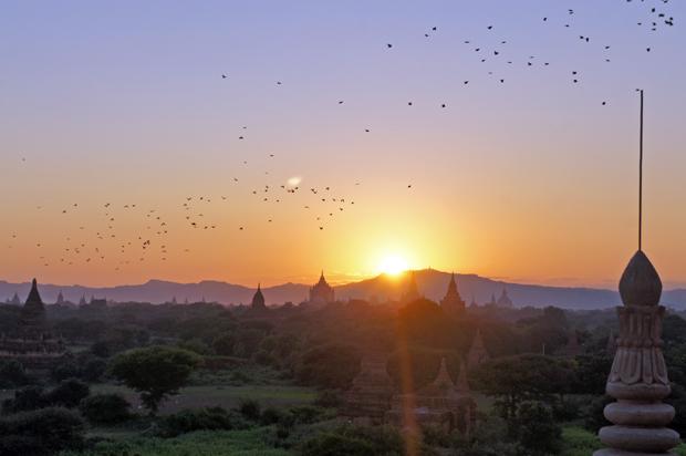 Anochecer-en-Bagan