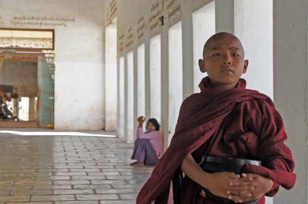 Monje-joven-en-Bagan