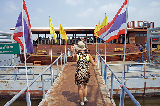 Embarcando-al-Thanatharee