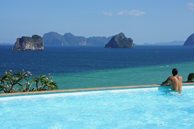 Piscina-del-cliff-resort-de-Koh-Ngai-port
