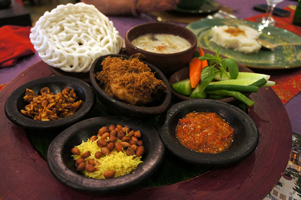 Plato-típico-de-Indonesia